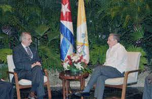 Recibe Raúl Castro a delegación de la Santa Sede