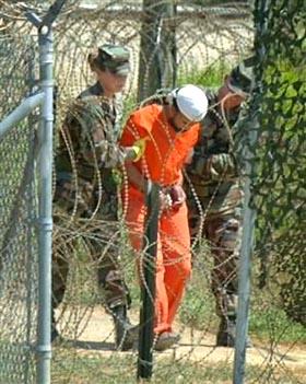Devolver Guantánamo a Cuba, reclama  The New York Times