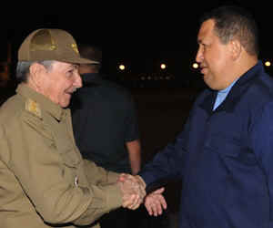 Acudió Raúl a recibir a Chávez