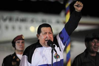 Crece ventaja de Chávez en encuestas sobre elecciones