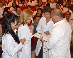 Más profesionales de la Salud para Cuba y el mundo