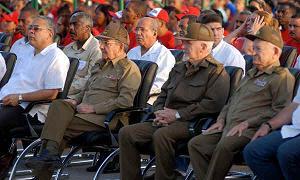 Felicita Raúl a pueblo guantanamero en acto por 26 de Julio