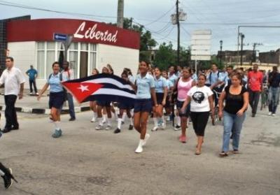 Jóvenes camagüeyanos marchan por Los Cinco